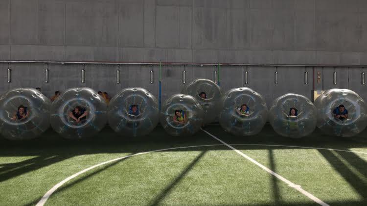 Futbol burbuja en la Caja Magica